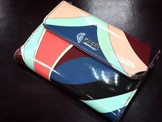 Emilio Pucci エミリオプッチ 二つ折りコンパクト財布 パテント