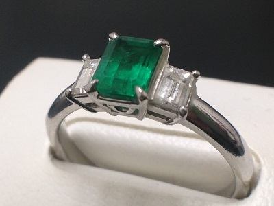 エメラルド 1.20ct メレダイヤモンド 0.40ct リング Pt900 プラチナ 宝石 色石 高価買取 出張買取