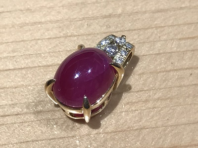 宝石 ルビー(RUBY) カボション ペンダントトップ K18 Diamond(ダイヤモンド)