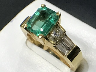 エメラルドリング K18 ダイヤモンド 買取 宝石買取 福岡 天神 博多 赤坂 薬院 質屋 高い