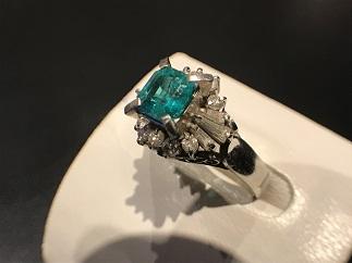 エメラルドリング Pt900 メレダイヤモンド ジュエリー 宝石買取 質屋 高い 福岡 天神 博多 赤坂 薬院