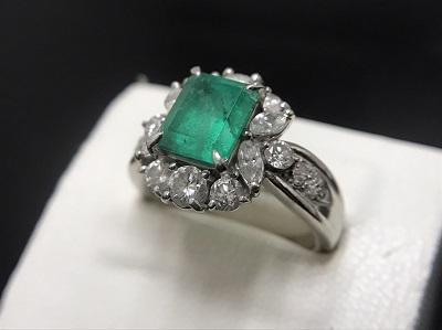 エメラルド 2.56ct メレダイヤモンド 1.44ct リング Pt900 プラチナ 色石 宝石 高価買取 出張買取