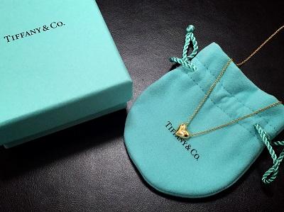 ティファニー(Tiffany)ハートペンダント 750 YG 3.8g ブランドジュエリー 買取強化