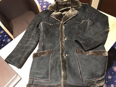 Salvatore Ferragamo(フェラガモ)ムートンハーフ コート ブラック 中古美品宅配