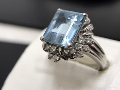 ブルートパーズ 3.25ct メレダイヤモンド 0.35ct リング Pt900 プラチナ 宝石 高価買取 出張買取