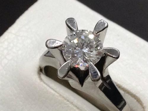 ダイヤモンド リング 立爪 プラチナ 0.5ct 高品質 ラウンドブリリアント 宝石 ジュエリー 四条大宮店 マルカ