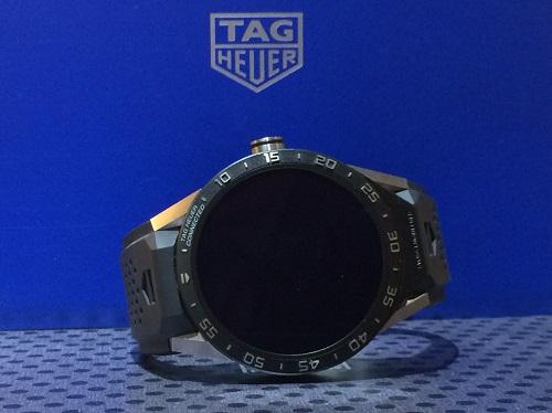 タグホイヤー(TAG HEUER) コネクテッド SAR8A80 チタン×ラバー