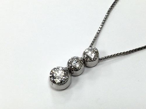 ペンダント プラチナ K18WG ダイヤモンド 0.351ct 0.38ct