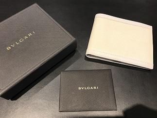 BVLGARI ブルガリ 二つ折り財布 白 ブランド品買取 福岡 天神 博多 質屋
