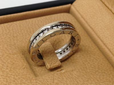 ブルガリ ビーゼロワン リング ホワイトゴールド フルダイヤモンド