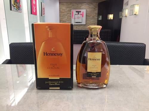 ヘネシー(Hennessy) フィーヌ・ド・コニャック 700ml 宅配買取