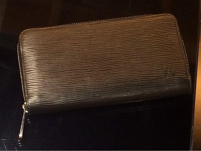 ルイヴィトン(Louis Vuitton)ジッピーウォレット エピ M61857