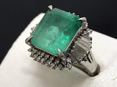エメラルド 8.89ct メレダイヤモンド 1.04ct リング Pt900 プラチナ 宝石 高価買取 出張買取