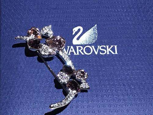 ブローチ スワロフスキーSWAROVSKI アクセサリー ファッション ブランド