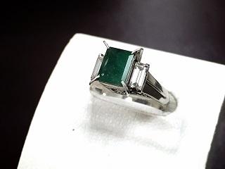 エメラルドリング プラチナ ダイヤモンド ジュエリー 宝石買取 宅配買取