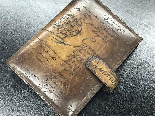 ベルルッティ(Berluti) 手帳カバー レザー カリグラフィ 中古美品