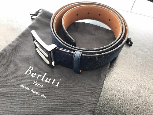 ベルルッティ(Berluti)メンズベルト レザー カリグラフィ 青系 美品
