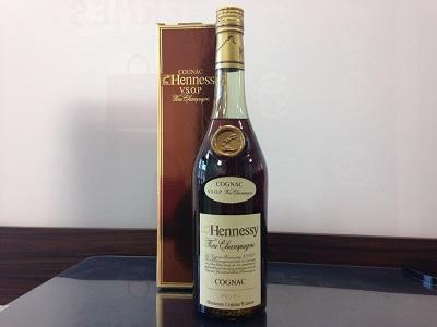 ヘネシー VSOP スリムボトル  (Hennessy VSOP) お酒買取 三宮 元町 神戸