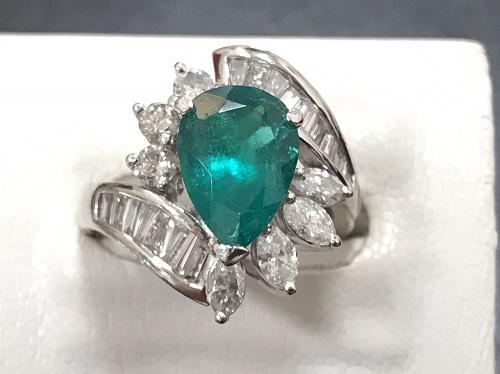 エメラルドリング プラチナ ダイヤモンド Pt900 D 1.40ct E 2.355ct