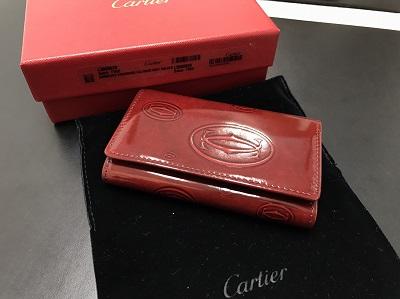 CARTIER カルティエ ハッピーバースデー キーケース パテント ボルドー 未使用 高価買取 宅配買取