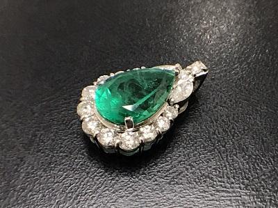 エメラルド 2.66ct メレダイヤモンド 0.74ct ペンダントトップ Pt900 プラチナ 宝石 高価買取 七条店