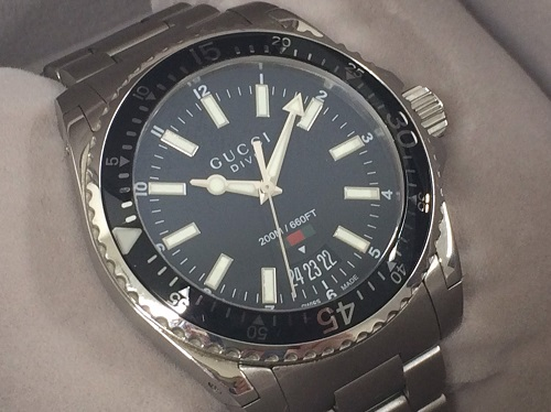 グッチ GUCCI ダイヴ YA136301 SS QZ 黒文字盤 時計買取 銀座