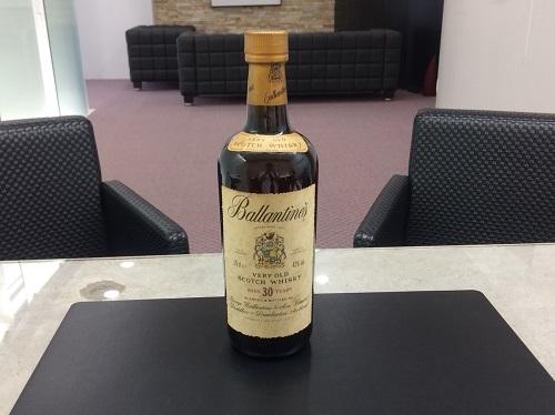 バランタイン(Ballantine's) 30年 750ml ウイスキー お酒 北山 買取