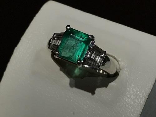 エメラルド 宝石 プラチナ ダイヤモンド  指輪 リング