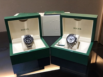 ロレックス(ROLEX)デイトナ Ref.116500LN、新品 黒白2本セット