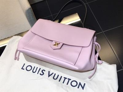 ルイヴィトン(Louis Vuitton)ロックミー M41239 トリヨンレザー ピンク