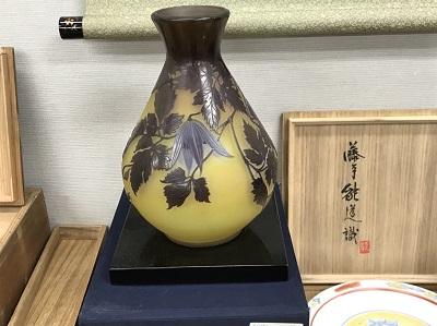 ガレ工房ガラス製花瓶買取 骨董品買取 美術品買取 マルカ(MARUKA)出張買取