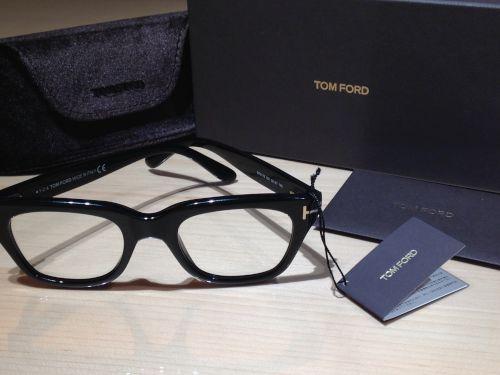 トムフォード(TOMFORD)買取 メガネ買取 伊達眼鏡 TF5178 黒縁 マルカ(MARUKA)渋谷 出張買取
