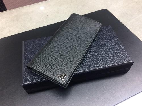 プラダ買取 2つ折り長財布 サフィアーノ 2MV836 新品未使用 神戸三宮 買取