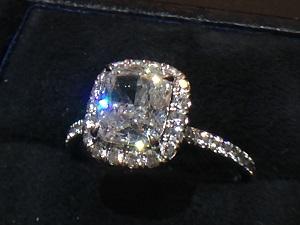 クッションダイヤモンドリング1.35CT E-VVs2-VG ダイヤモンド買取 メレダイヤモンド買取 銀座