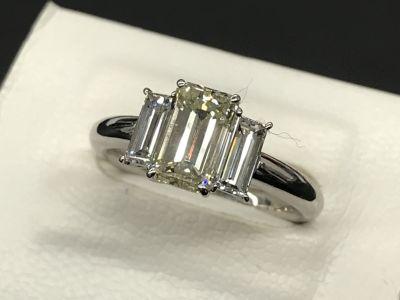 ダイヤモンドリング買取 1.556ct 0.80ct 宝石売るなら大阪難波南船場のMARUKA心斎橋店