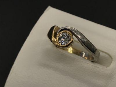 K18/pt900 ダイヤモンドリング買取 大阪で宝石売るならやっぱりMARUKA心斎橋店