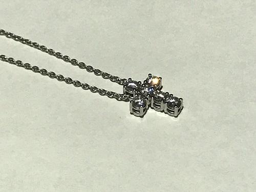 ダイヤモンド買取 クロスネックレス K18WG 0.50ct 3.5g 北山 買取