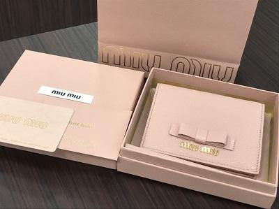 ミュウミュウ買取 二つ折り財布 マドラスレザー ピンク 5MV204 ミュウミュウ高く売るなら 京都MARUKA大宮店へ