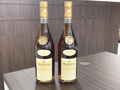 お酒買取 ヘネシー VSOP 700ml スリムボトル 2本 お酒高く売るなら 京都MARUKA大宮店へ