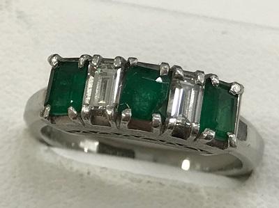 宝石買取 プラチナ台 エメラルド 0.56ct ダイヤモンド 0.46ct リング 宝石高く売るなら京都 MARUKA大宮店へ