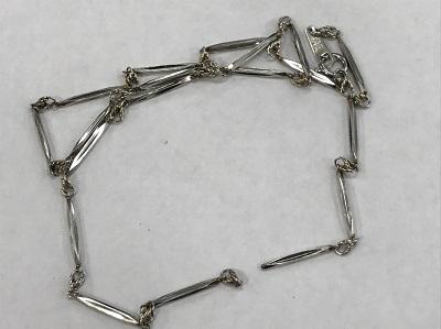 プラチナ買取 チェーン切れのプラチナ製のネックレスも買取価格は変わりません。プラチナ高く売るなら 京都MARUKA大宮店へ