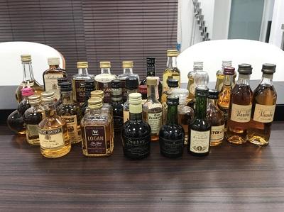 お酒買取 ウイスキー ミニボトル 23本 ブランデー ミニボトル 9本 お酒高く売るなら MARUKA大宮店へ
