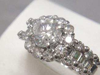 ダイヤモンドリング買取 1.03ctの中石に1.35ctのメレダイヤ ダイヤ高く売るなら大阪MARUKA心斎橋店
