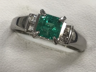 エメラルド買取 プラチナ台 エメラルド 0.87ct ダイヤモンド 0.2ct リング エメラルド買取もMARUKA大宮店へ