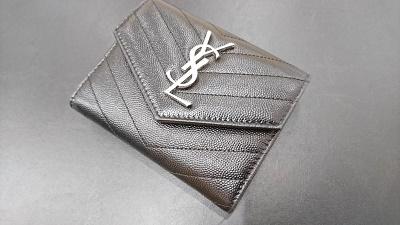 サンローラン買取 二つ折り財布 カーフレザー ブラック 神戸 元町 三宮 MARUKA