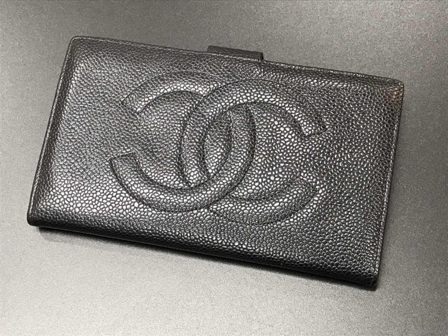 シャネル買取 二つ折り財布