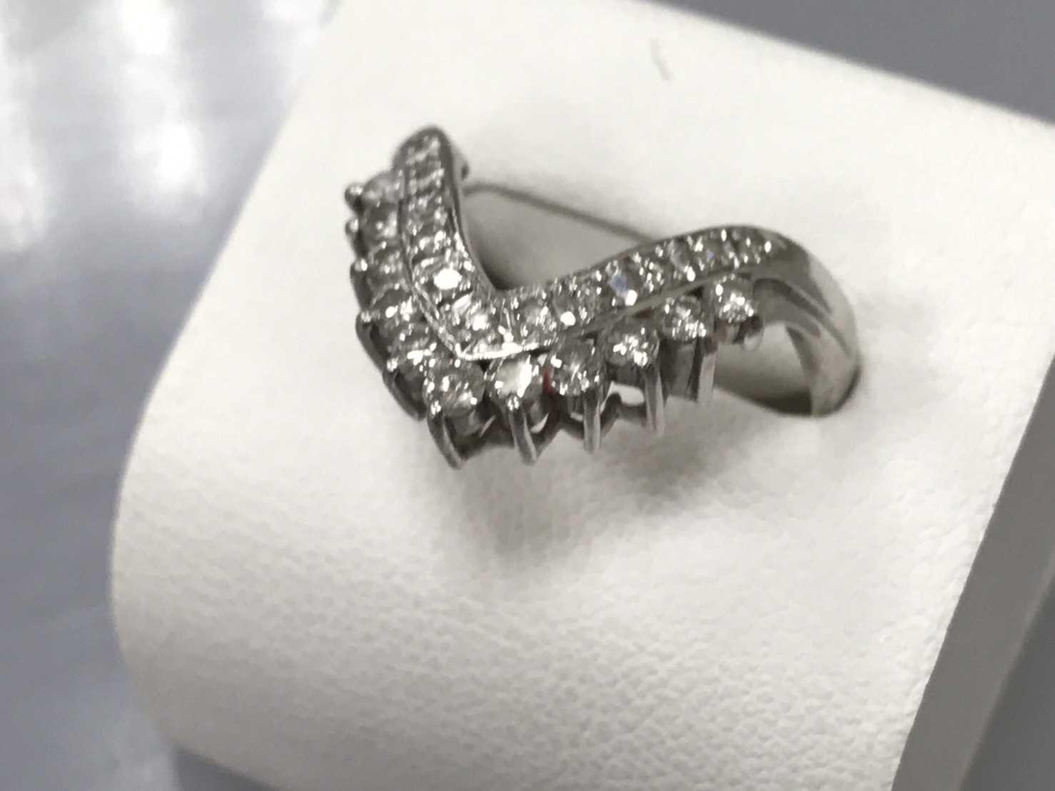 ダイヤモンド買取 V字リング
