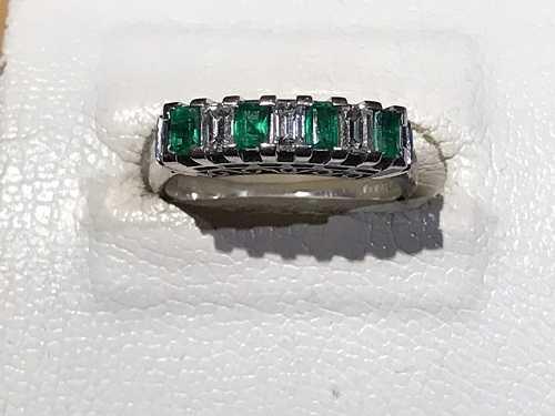 指輪買取 エメラルド ダイヤ
