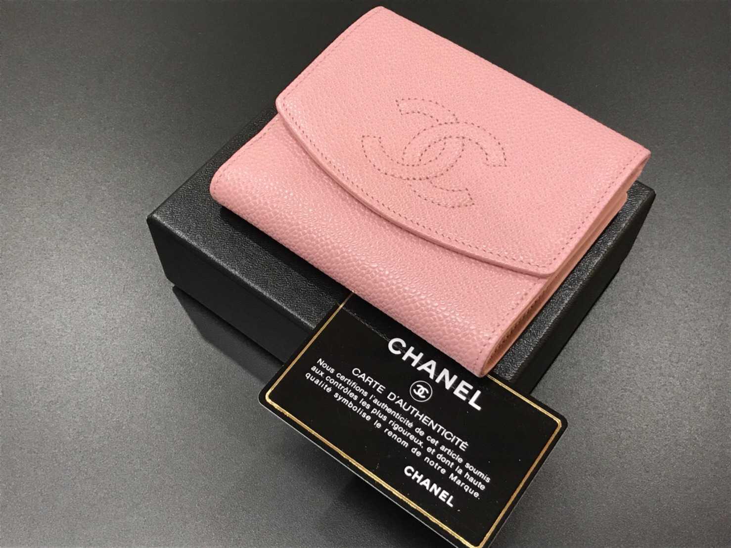 シャネル 三つ折り財布