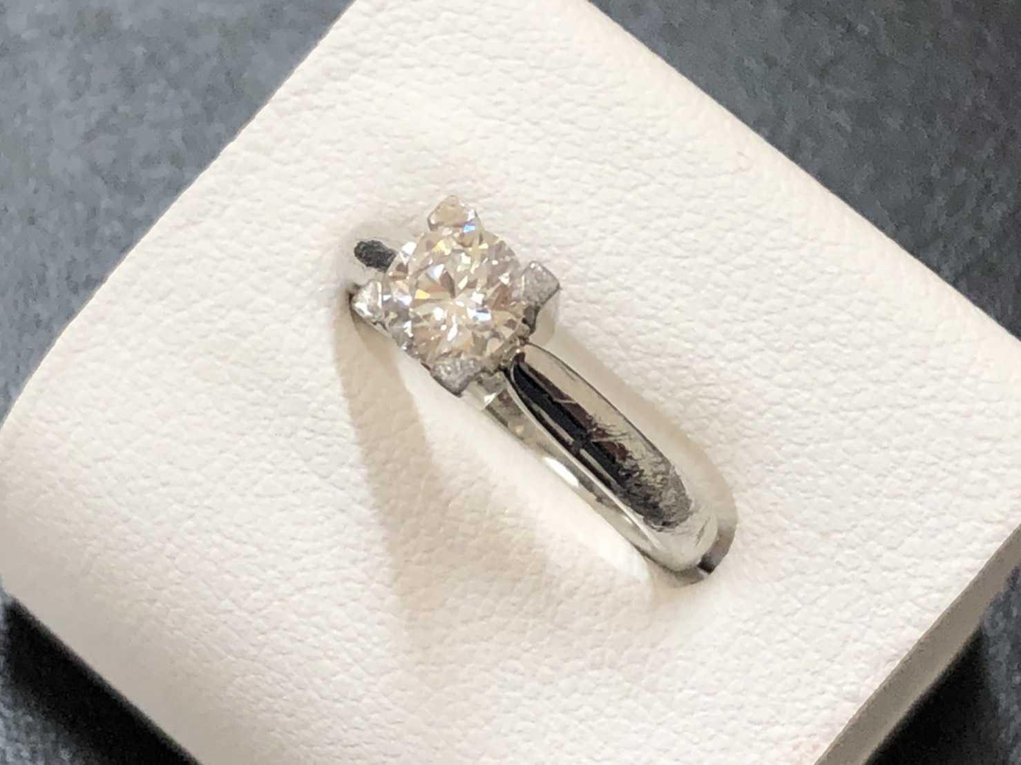 ハリーウィンストン買取 ダイヤモンドリング